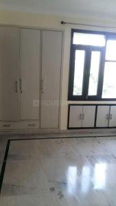 Gallery Cover Image of 1900 Sq.ft 3 BHK Apartment for rent in Sector 11 Dwarka for 40000