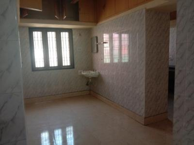 Gallery Cover Image of 1350 Sq.ft 2 BHK Apartment for rent in Velachery for 29000