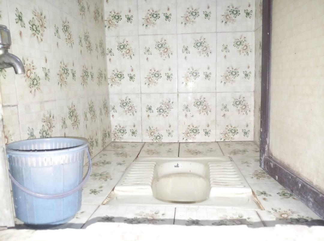 Common Bathroom Image of 800 Sq.ft 2 BHK Independent House for buy in Kalyan East for 3200000