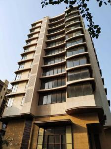 Gallery Cover Image of 3500 Sq.ft 5 BHK Independent Floor for buy in Juhu for 160000000