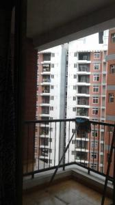 Gallery Cover Image of 1500 Sq.ft 3 BHK Apartment for rent in Kelambakkam for 18000