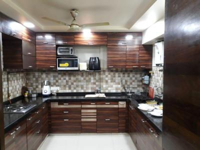 Gallery Cover Image of 3600 Sq.ft 3 BHK Villa for rent in Chembur for 115000