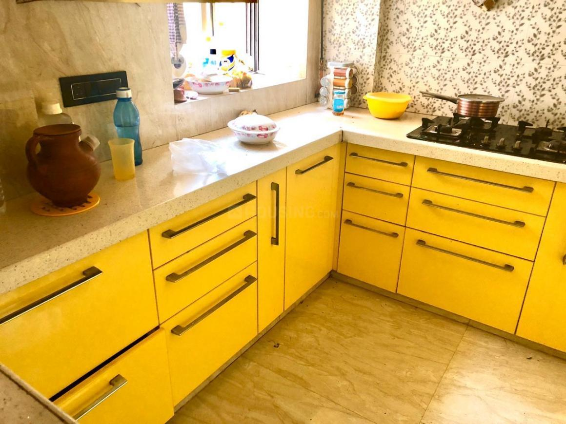 Kitchen Image of 960 Sq.ft 2 BHK Apartment for buy in Malad West for 16500000