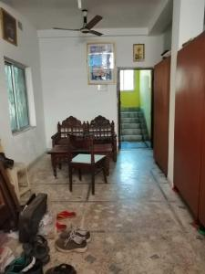 Gallery Cover Image of 1260 Sq.ft 4 BHK Independent House for buy in Behala for 6000000