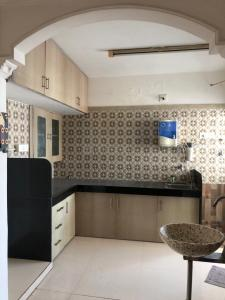 Gallery Cover Image of 1800 Sq.ft 3 BHK Apartment for rent in Teraiya Adhisthan Shriya, Sola Village for 30000
