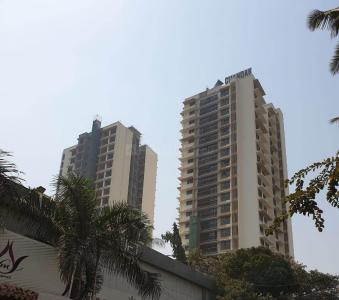 Gallery Cover Image of 1150 Sq.ft 3 BHK Apartment for rent in Goregaon West for 65000