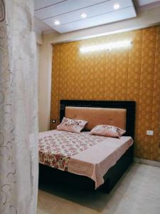 Gallery Cover Image of 1450 Sq.ft 3 BHK Independent Floor for rent in Vaishali for 15000