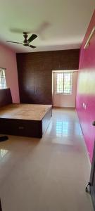 Gallery Cover Image of 1500 Sq.ft 2 BHK Apartment for rent in Kondapur for 18000