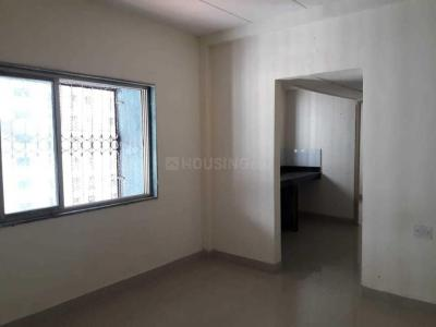 Gallery Cover Image of 450 Sq.ft 1 BHK Apartment for rent in Kandivali West for 15000