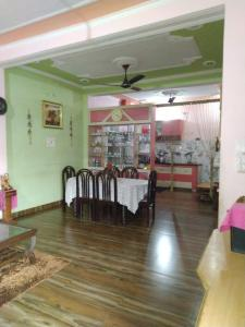 Gallery Cover Image of 2000 Sq.ft 4 BHK Villa for rent in Shivalik Nagar for 30000