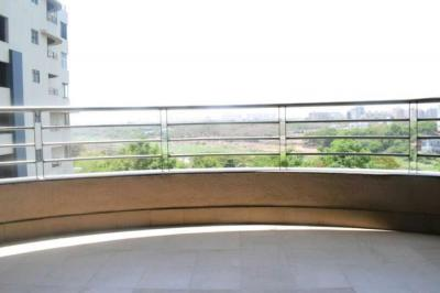 Gallery Cover Image of 2800 Sq.ft 4 BHK Apartment for rent in Fortaleza Apartment, Kalyani Nagar for 85000