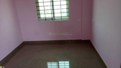 Gallery Cover Image of 700 Sq.ft 2 BHK Apartment for rent in Singasandra for 15000