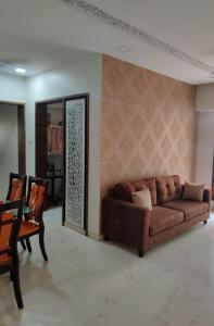 Gallery Cover Image of 1000 Sq.ft 2 BHK Apartment for rent in Kandivali East for 50000