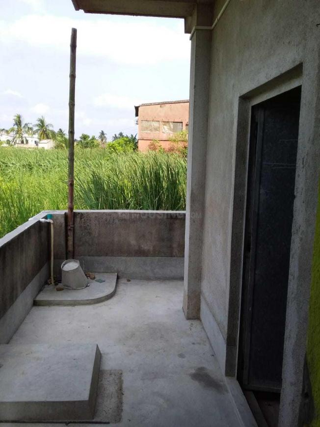 Passage Image of 400 Sq.ft 1 BHK Independent House for rent in Maheshtala for 4500