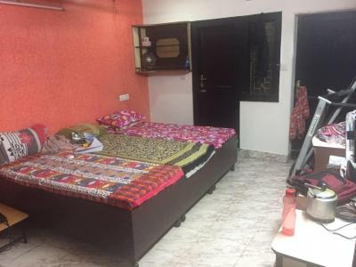 Bedroom Image of Tripathi Balaji Girls PG in Laxmi Nagar