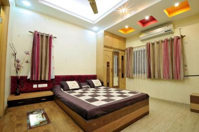 Gallery Cover Image of 4000 Sq.ft 4 BHK Apartment for rent in Dadar East for 240000