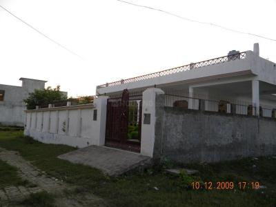 Gallery Cover Image of 5000 Sq.ft 8 BHK Independent House for buy in Jankipuram Extension for 20000000
