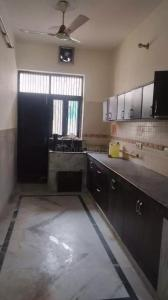 Gallery Cover Image of 2250 Sq.ft 3 BHK Independent Floor for rent in Sector 16 for 20000