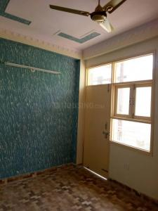 Gallery Cover Image of 400 Sq.ft 1 RK Independent Floor for rent in Geeta Colony for 9000