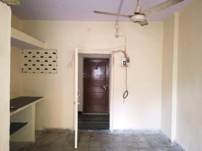 Gallery Cover Image of 250 Sq.ft 1 RK Apartment for rent in Andheri East for 10000