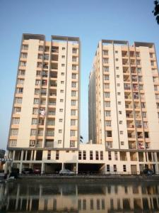 Gallery Cover Image of 1627 Sq.ft 3 BHK Apartment for rent in Soroshi Apartment, Dhakuria for 36000