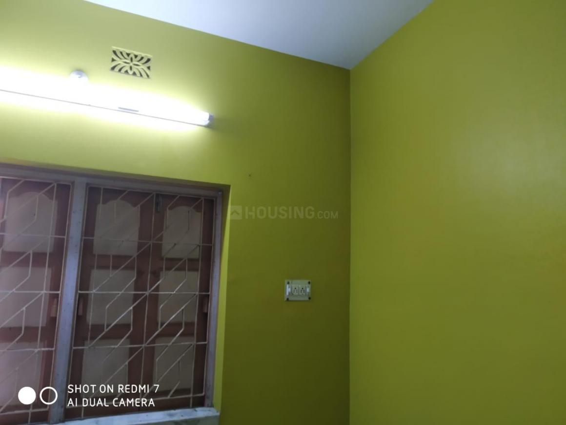 Bedroom Image of 600 Sq.ft 2 BHK Apartment for rent in Sonarpur for 10000