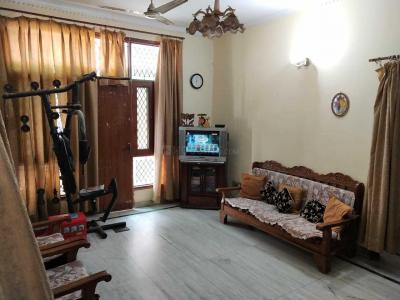 Gallery Cover Image of 800 Sq.ft 1 BHK Independent Floor for rent in Sector 17 for 12000
