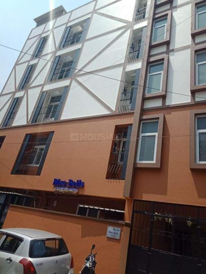 कोरमनगाला में ब्लू बेल्स पीजी में बिल्डिंग की तस्वीर