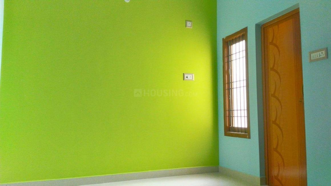 Living Room Image of 1055 Sq.ft 3 BHK Independent House for buy in Anakaputhur for 5000000