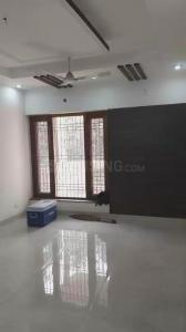 Gallery Cover Image of 2200 Sq.ft 3 BHK Apartment for rent in Mayur Vihar II for 35000