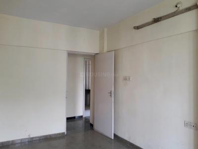 Gallery Cover Image of 800 Sq.ft 2 BHK Apartment for rent in Malad East for 31000