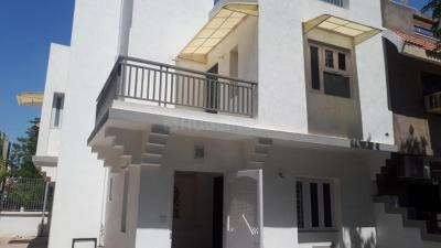 Gallery Cover Image of 2150 Sq.ft 3 BHK Villa for rent in Thaltej for 30000