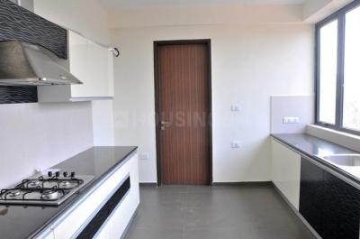 Gallery Cover Image of 1945 Sq.ft 3 BHK Apartment for rent in Nazirabad for 52000