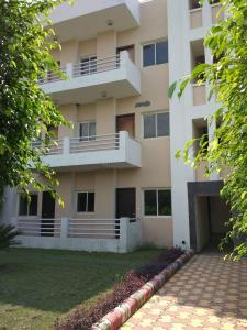 Gallery Cover Image of 1200 Sq.ft 4 BHK Apartment for rent in Ansal Town for 8000