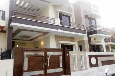 Gallery Cover Image of 8500 Sq.ft 8 BHK Independent House for rent in Sector 52 for 115000