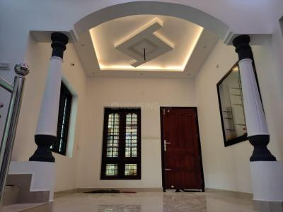 Gallery Cover Image of 1500 Sq.ft 3 BHK Villa for buy in Kochi Kochi Project, Maradu for 7500000