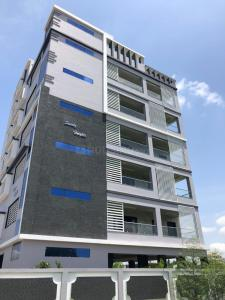 Gallery Cover Image of 2450 Sq.ft 3 BHK Apartment for buy in Kanuru for 13500000