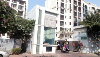Gallery Cover Image of 1650 Sq.ft 3 BHK Apartment for rent in Kandivali East for 60000