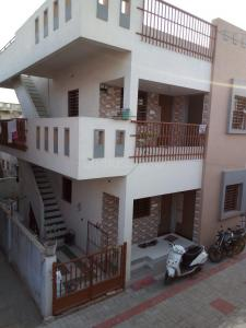 Gallery Cover Image of 1620 Sq.ft 6 BHK Independent House for buy in Ranip for 10000000