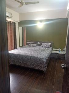 Gallery Cover Image of 1180 Sq.ft 2 BHK Apartment for rent in Safal Parisar 2, Bopal for 26000