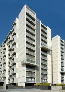 Gallery Cover Image of 2675 Sq.ft 4 BHK Apartment for buy in Goyal Riviera Harmony, Prahlad Nagar for 19500000
