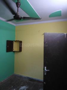 Gallery Cover Image of 360 Sq.ft 1 BHK Apartment for rent in Dwarka Mor for 6500