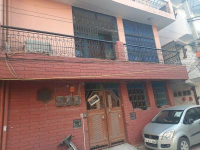 Gallery Cover Image of 900 Sq.ft 3 BHK Independent House for buy in Dwarka Mor for 15000000