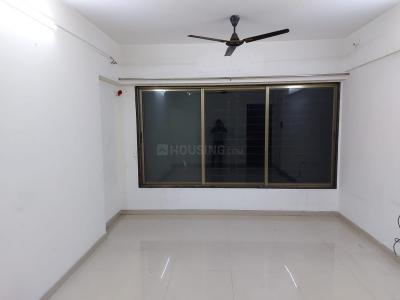 Gallery Cover Image of 880 Sq.ft 2 BHK Apartment for rent in Sainath Madhuban, Mulund East for 30000