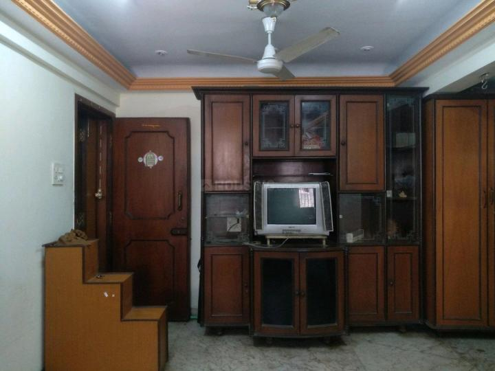 Living Room Image of 600 Sq.ft 1 BHK Apartment for rent in Borivali East for 24000