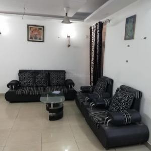 Gallery Cover Image of 1350 Sq.ft 3 BHK Apartment for rent in Avj Heightss, Zeta I Greater Noida for 12000