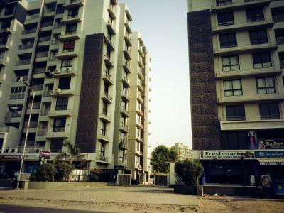 Gallery Cover Image of 800 Sq.ft 2 BHK Apartment for buy in Makarba for 4700000
