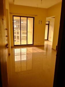 Gallery Cover Image of 580 Sq.ft 1 BHK Apartment for rent in KM Narmada Mohan Apartment, Naigaon East for 6500