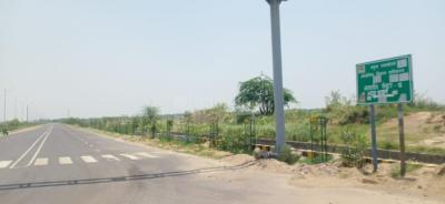 300 Sq.ft Residential Plot for Sale in Sector 18, Noida