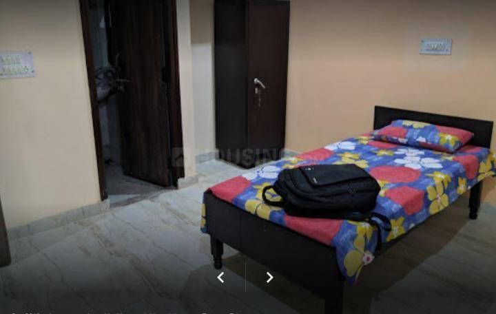 सेक्टर 38 में सुदर्शन पीजी फॉर बॉइज़ के बेडरूम की तस्वीर